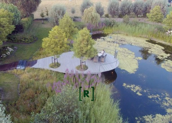 Groenr_Tuinontwerp_tuinontwerper_tuinarchitect_Uden_natuurvijver_waterpoel_vlonder_steiger_taxodium distichum_Hydrangea_plantplan_beplanting_Natuurvijver_natuurtuin_knotwilgen_exclusieve tuinverlichting_Oisterwijk_Vught_Den Bosch_Gemert_Heeswijk_Schijndel_Veghel