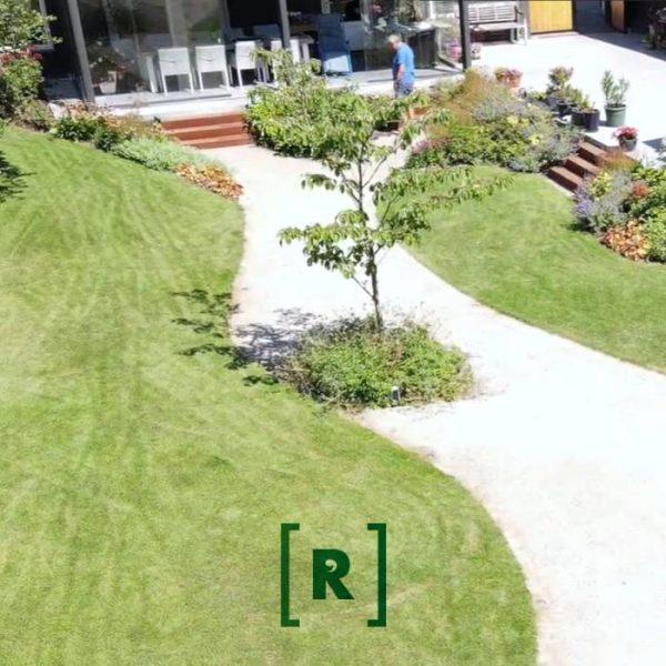 Tuinontwerper_Hovenier met bloementuin en cortenstalen trapexclusieve tuinen met groen Tilburg_Den Bosch_Vught_Oisterwijk_Nijmegen_Utrecht_Bilthoven_Berlicum_Veghel_Uden_Eindhoven_073